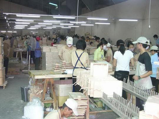Áp lực từ cuộc chiến thương mại Mỹ - Trung: Ngành gỗ nặng gánh lo - Ảnh 1.