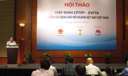 Hiệp hội dệt may: Cuộc chiến thương mại Mỹ Trung có lợi cho dệt may Việt Nam - Ảnh 1.