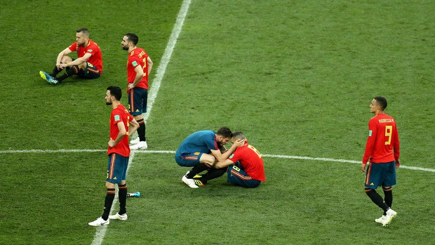 Dàn sao Tây Ban Nha sụp đổ, bật khóc tức tưởi sau khi chia tay World Cup 2018 - Ảnh 6.