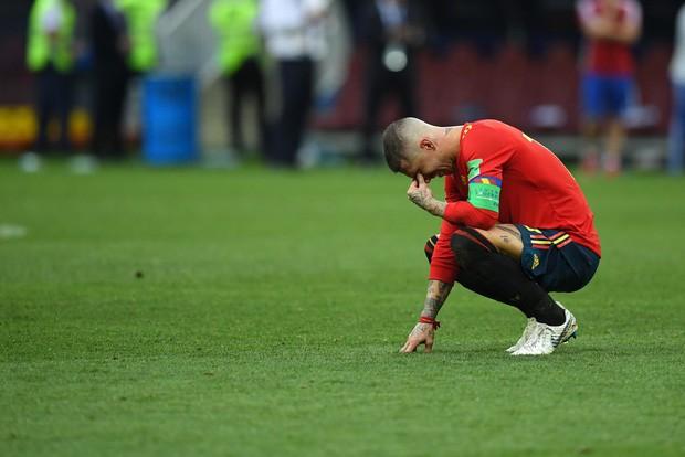 Dàn sao Tây Ban Nha sụp đổ, bật khóc tức tưởi sau khi chia tay World Cup 2018 - Ảnh 10.
