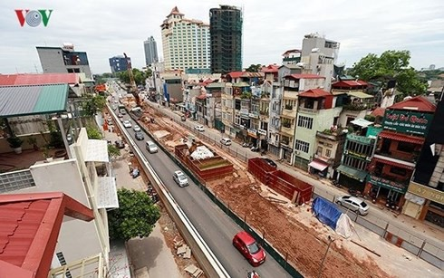 Chủ tịch Hà Nội phê bình Chủ đầu tư dự án cầu vượt nút giao An Dương - Ảnh 1.