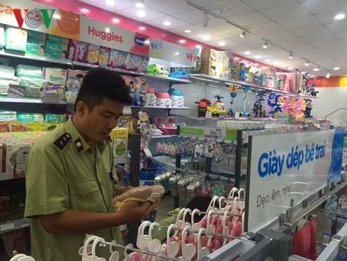 Vụ nghi vấn hàng hóa Con Cưng: Người tiêu dùng mất niềm tin - Ảnh 1.