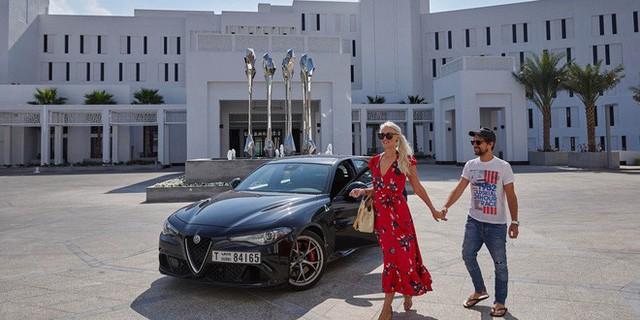 Cuộc sống của chân dài Hội nhà giàu Dubai: Xa hoa, nhiều siêu xe vây quanh nhất Dubai - Ảnh 10.