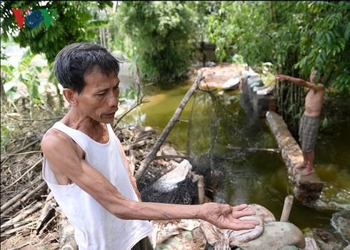 """Vỡ đê Bối ở Hà Nam: Người dân Đinh Xá """"chìm nổi"""" trong dòng nước lũ - Ảnh 3."""
