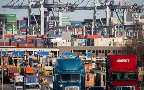 Mỹ chính thức áp thuế 25% lên nhiều mặt hàng nhập khẩu từ Trung Quốc - Ảnh 1.