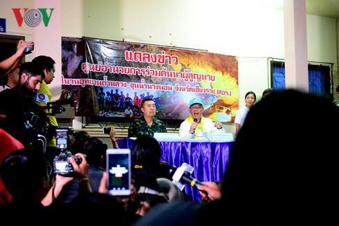 """""""Ngày đầu cứu hộ đội bóng Thái Lan thành công ngoài mong đợi"""" - Ảnh 1."""