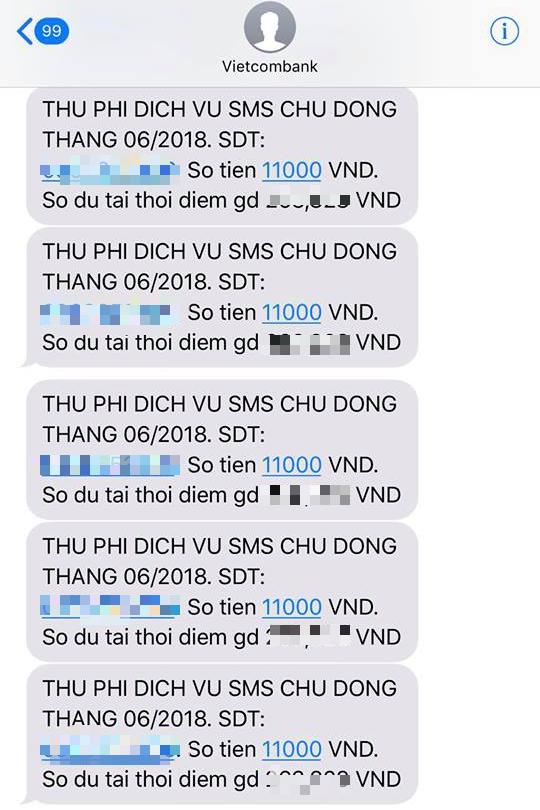 Vietcombank nói gì sau khi dội bom hàng trăm tin nhắn trừ tiền khách hàng? - Ảnh 1.