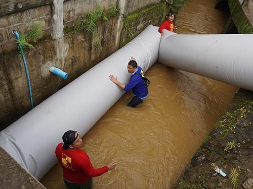 Thái Lan rục rịch chuẩn bị phương án dự phòng khi cuộc giải cứu đội bóng bất thành - Ảnh 2.