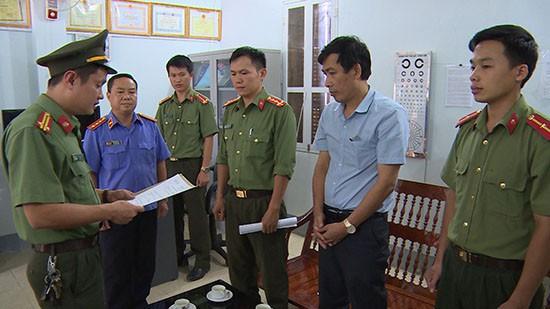 Công an khám nhà Phó Giám đốc Sở Giáo dục và Đào tạo tỉnh Sơn La - Ảnh 2.
