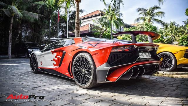 Góc ăn chơi: Quán trà sữa mời cả siêu xe Lamborghini Aventador SV độc nhất Việt Nam của Minh nhựa làm hình ảnh - Ảnh 5.