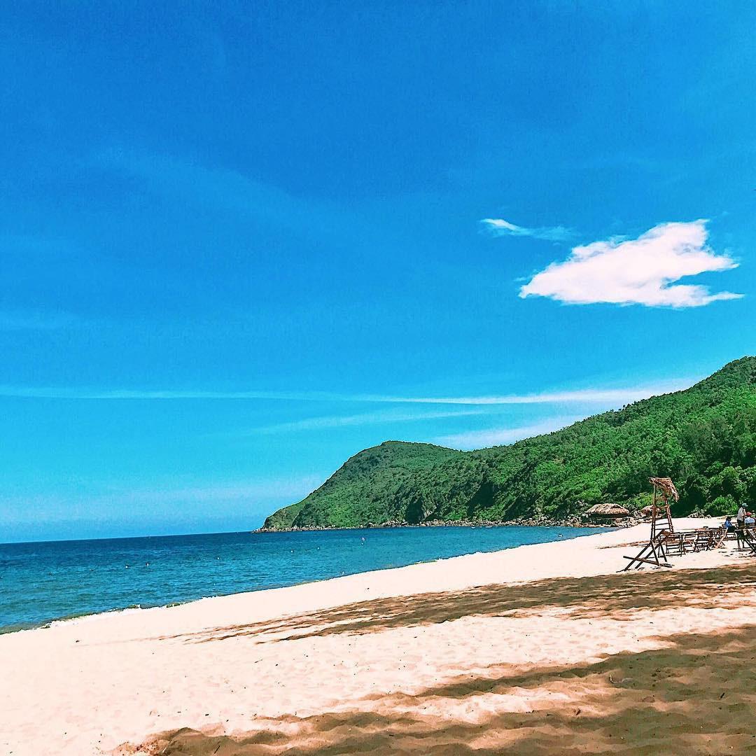 Không phải Sầm Sơn, Bãi Đông mới là bãi biển hot nhất Thanh Hóa,
