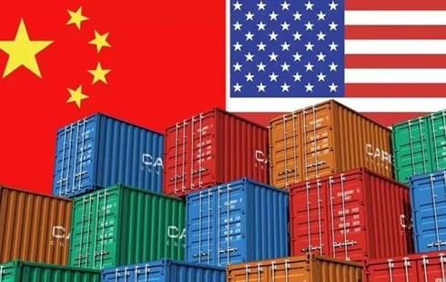 Chiến tranh thương mại Mỹ-Trung: Lo hàng Trung Quốc tràn vào Việt Nam? - Ảnh 1.