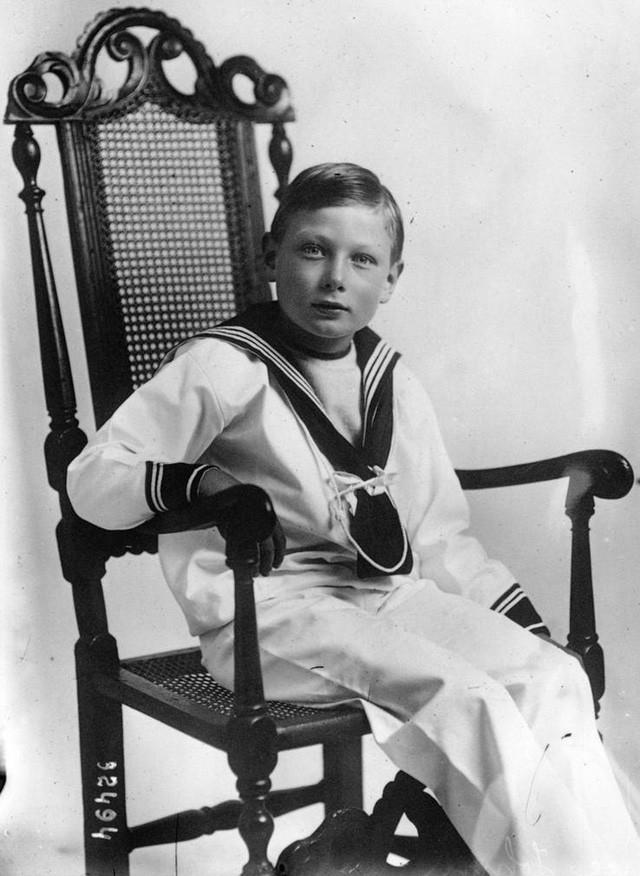 8 vụ bê bối và bí mật từng gây xôn xao dư luận của gia đình Hoàng gia Anh - Ảnh 5.