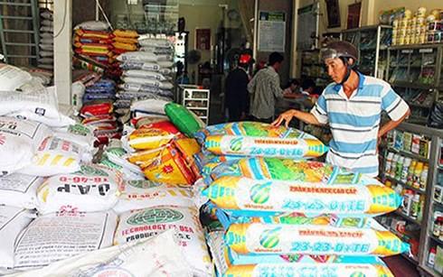 Nông sản rớt giá kéo theo thị trường phân bón trầm lắng - Ảnh 1.