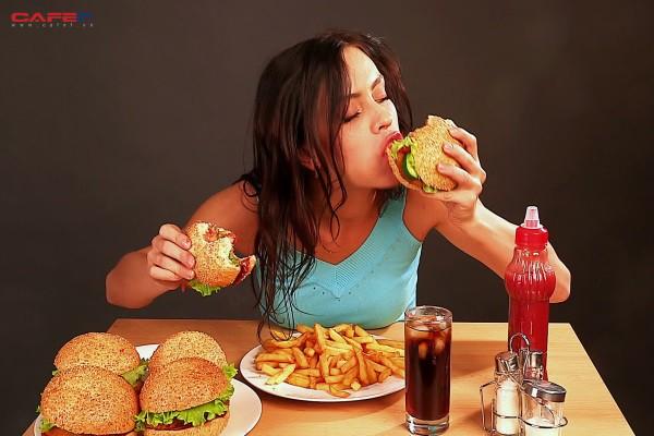 12 tuổi đã bị sỏi thận, 30 tuổi mắc ung thư phổi di căn xương, cao huyết áp và bệnh tim mạch tìm đến khi vừa 40 tuổi: Nguyên nhân bắt nguồn từ chính thói quen ăn uống hàng ngày của nhiều người - Ảnh 1.