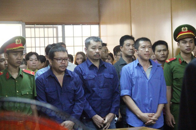 """Hoãn xử vụ logo """"xe vua"""" do luật sư bận tham gia phúc cung cựu tướng Phan Văn Vĩnh - Ảnh 1."""