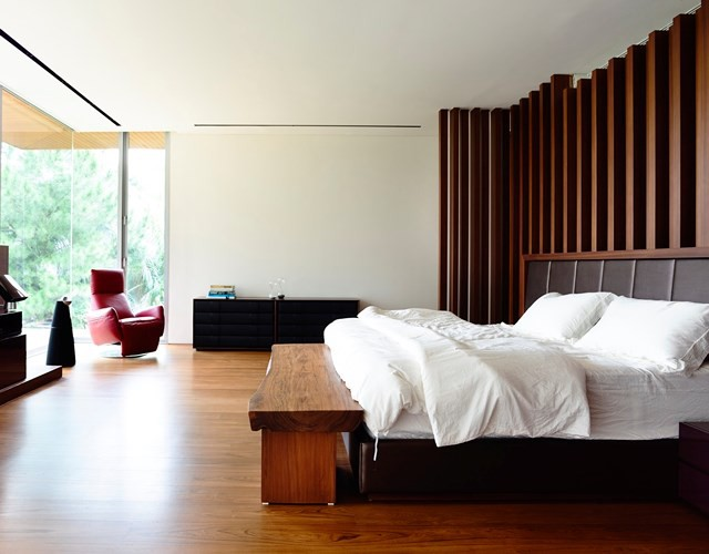 Biệt thự trang trí bằng gỗ ấn tượng - Ảnh 11.