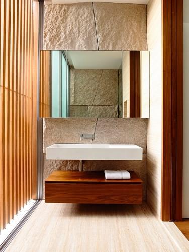 Biệt thự trang trí bằng gỗ ấn tượng - Ảnh 13.