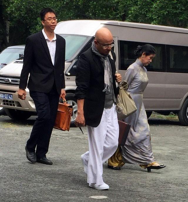 Người phụ nữ kín tiếng cạnh ông Đặng Lê Nguyên Vũ trong vụ ly hôn nghìn tỷ - Ảnh 1.
