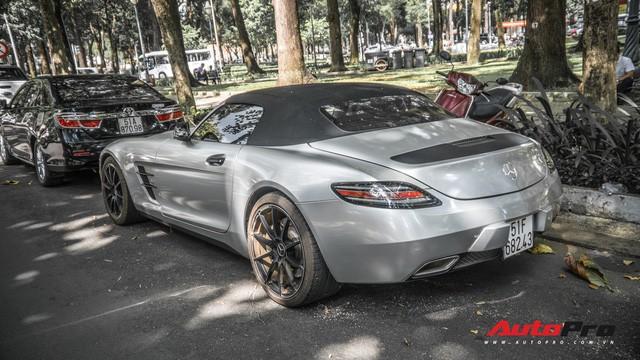 Sau hành trình xuyên Việt, bộ 3 siêu xe Mercedes-Benz SLS AMG đặc biệt của ông chủ cà phê Trung Nguyên lại tham gia minishow tại Sài Gòn - Ảnh 5.