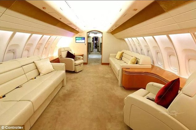 Cận cảnh siêu phi cơ dát vàng, 10 phòng tắm của Hoàng gia Qatar đang được rao bán 650 triệu USD - Ảnh 5.