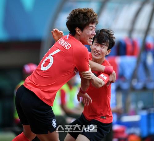 Olympic Hàn Quốc tiến vào bán kết ASIAD 2018 sau chiến thắng nghẹt thở trước Uzbekistan - Ảnh 1.