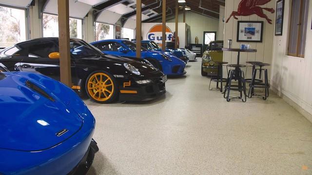 Nữ đại gia chơi trội với bộ sưu tập Porsche chất lừ đầy màu sắc - Ảnh 1.