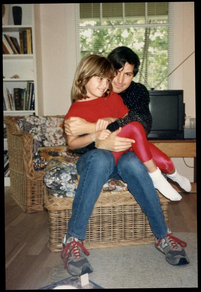 Tâm sự của con gái đầu lòng Steve Jobs: Ngày nào tôi còn sống thì chuỗi chiến tích của bố tôi vẫn còn chưa toàn vẹn - Ảnh 3.
