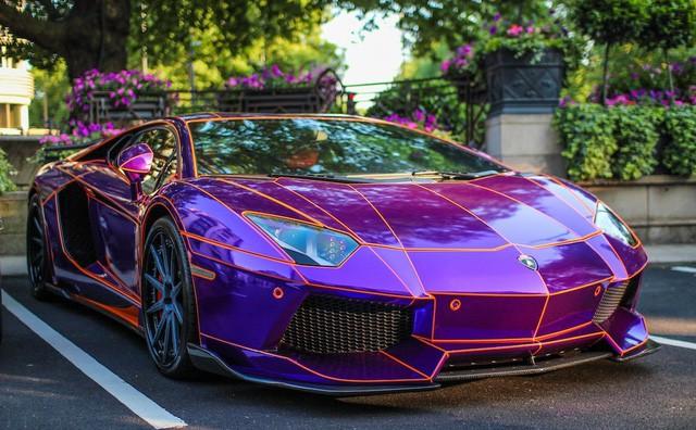 Lamborghini Aventador Roadster độ phong cách Tron Legacy chrome chói chang tại Hà Nội - Ảnh 9.