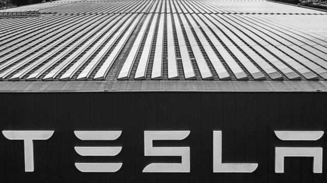 Một Elon Musk và Tesla rất không... bình thường - Ảnh 1.