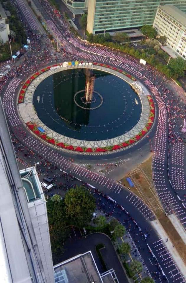 Indonesia thiết lập kỷ lục guiness khi tổ chức khai mạc Asiad - Ảnh 4.