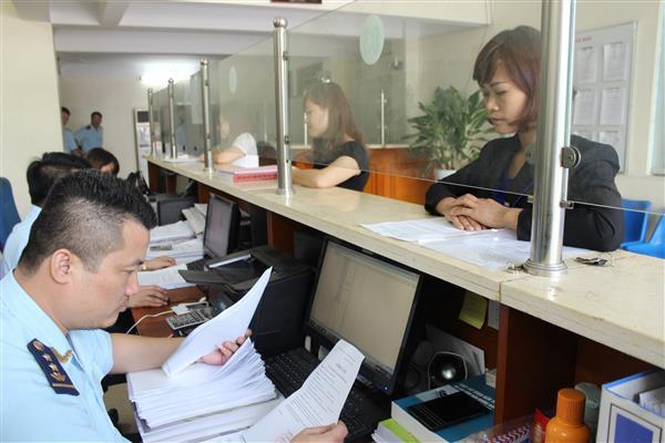 Hải quan nhắc nhở ngân hàng kịp thời chuyển tiền của doanh nghiệp - Ảnh 1.