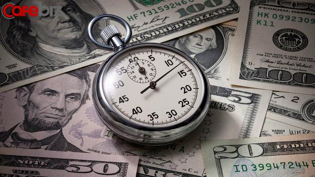 Nghịch lý xã hội: Tại sao người càng biết tiêu tiền càng giàu, còn người càng tiết kiệm lại càng nghèo? - Ảnh 2.