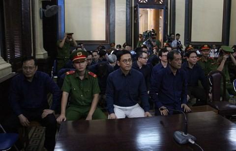 Phạm Công Danh bị tuyên án 20 năm tù, một số bị cáo được trả tự do tại tòa - Ảnh 2.