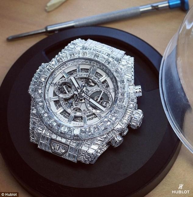 Chiếc đồng hồ trị giá 18 triệu USD của võ sĩ quyền anh hay nhất mọi thời đại - Floyd Mayweather: Quá mức xa xỉ và lộng lẫy - Ảnh 3.