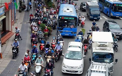 TP HCM mở đường riêng cho xe buýt, liệu có khả thi? - Ảnh 1.