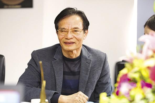 TS Lê Xuân Nghĩa: Nên bình tĩnh hành động trước nguy cơ chiến tranh tiền tệ Mỹ - Trung - Ảnh 1.