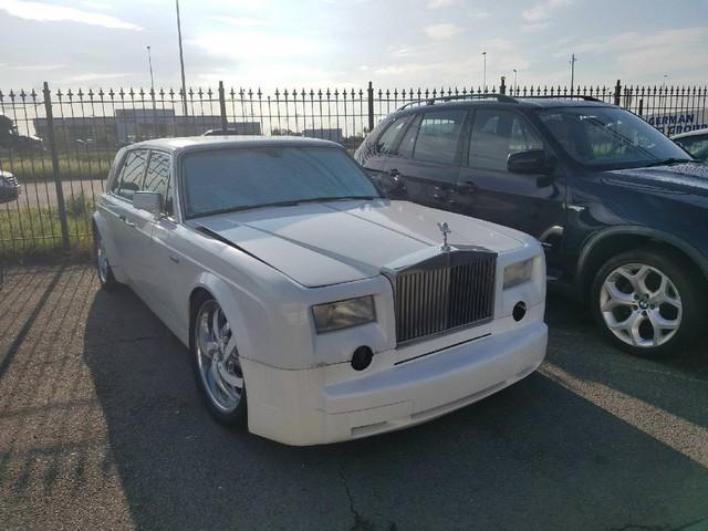 Dân chơi độ Bentley 30 năm tuổi thành... Rolls-Royce mini - Ảnh 2.