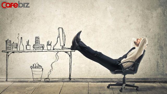 Khủng hoảng tuổi 30: Công việc nhiều tiền thì với chưa tới nhưng công việc ít tiền chắc chắn chê - Ảnh 1.