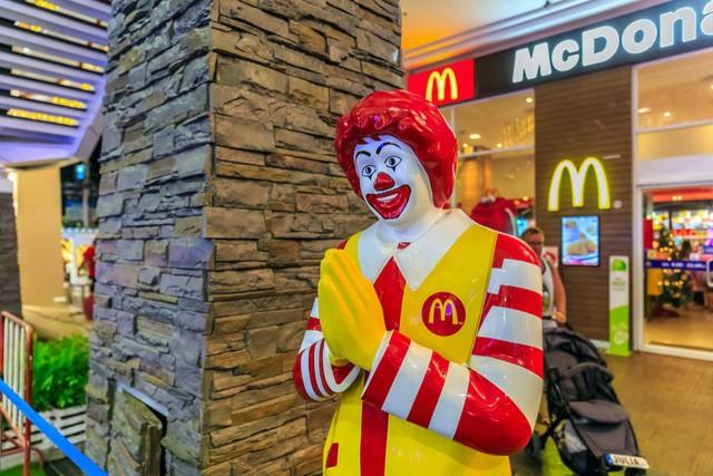 Mở một nhà hàng nhượng quyền McDonalds, KFC, Pizza Hut... phải bỏ ra bao nhiêu tiền? - Ảnh 1.