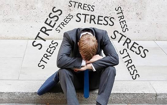 Bạn đang bị căng thẳng quá mức? Đây là 7 chiến lược hiệu quả giúp bình ổn tâm lý và tập trung trở lại - Ảnh 2.