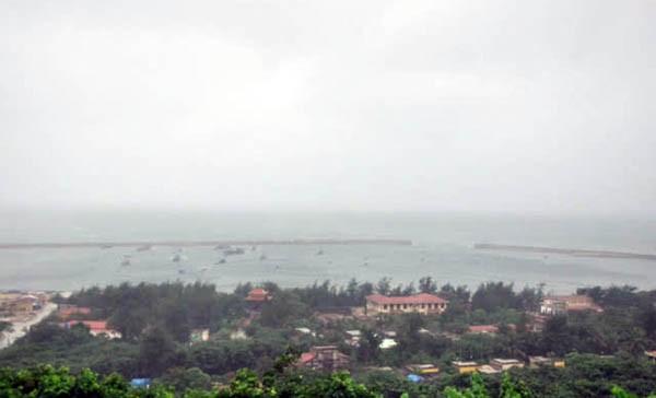 Vắng họp phòng chống siêu bão MANGKHUT, một lãnh đạo huyện ở Hải Phòng bị phê bình - Ảnh 1.