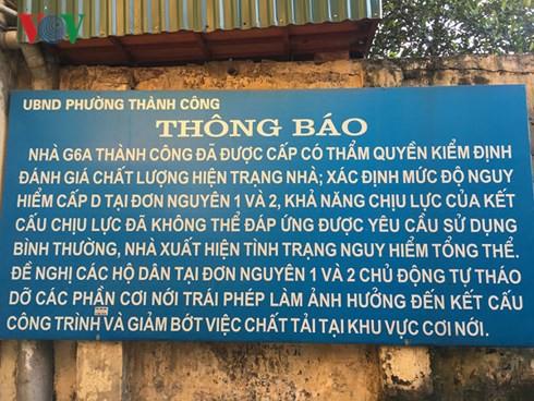 """Người dân Hà Nội vẫn """"cố thủ"""" trong các chung cư chờ sập - Ảnh 1."""