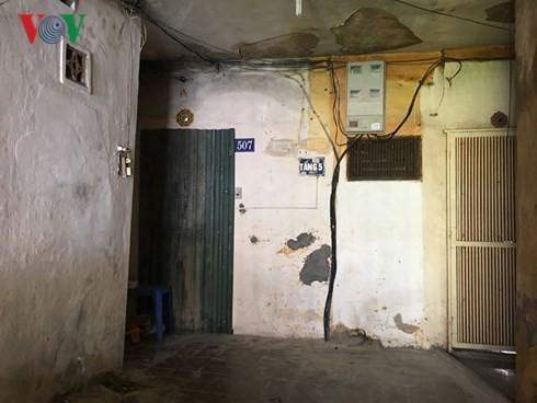 """Người dân Hà Nội vẫn """"cố thủ"""" trong các chung cư chờ sập - Ảnh 3."""