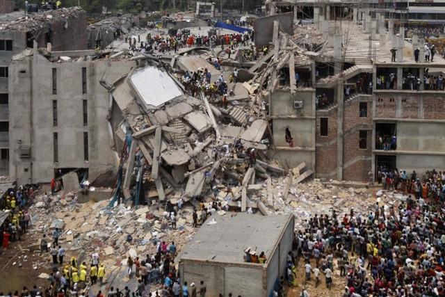 """Để làm ra một chiếc áo hàng hiệu, hàng trăm công nhân đã phải sống trong những điều kiện """"trời ơi đất hỡi"""" như này - Ảnh 2."""