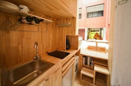 Căn nhà gỗ 7m2 siêu tiện nghi có thể có đi bất cứ đâu - Ảnh 2.