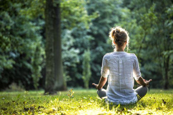 Là một người trẻ, nếu cảm thấy mờ mịt về tương lai, hãy tự vấn bản thân 3 điều đặc biệt quan trọng sau để xác định con đường lập thân, lập nghiệp - Ảnh 3.