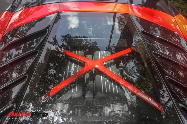 Lamborghini Huracan LP580-2 đầu tiên Việt Nam về tay đại gia Sài Gòn - Ảnh 11.