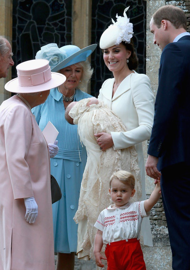 Không phải là bà nội, Hoàng tử George và Công chúa Charlotte gọi bà Camilla bằng cái tên kỳ lạ, không có lời giải thích - Ảnh 4.