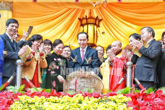 Những bức ảnh quý về Chủ tịch nước Trần Đại Quang - Ảnh 10.
